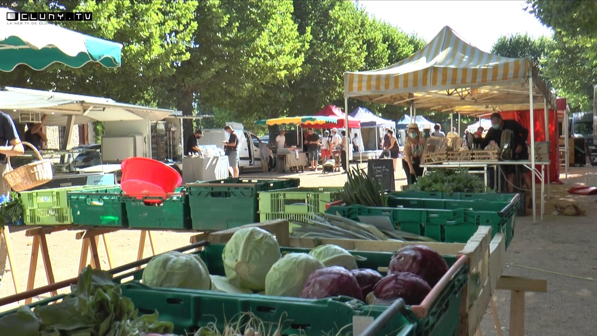 Le marché de Salornay-sur-Guye